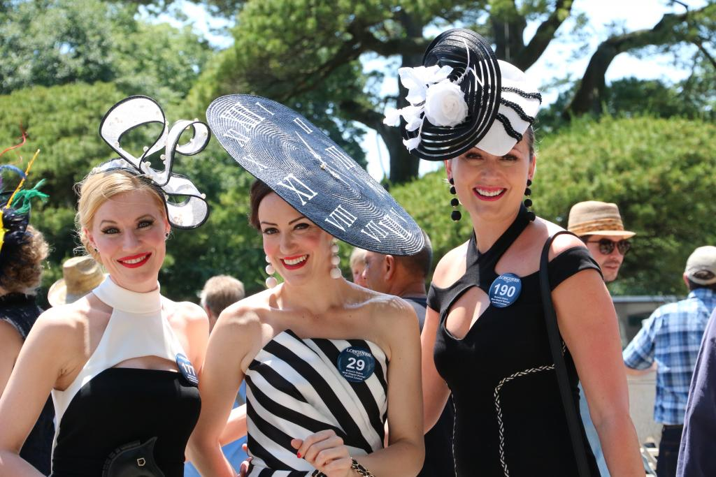 These ladies at the Longines style contest were so incredibly chic – I was obsessed with their black-and-white motifs, especially since each woman put her own unique spin on the theme. (Penelope P. Miller/America's Best Racing)