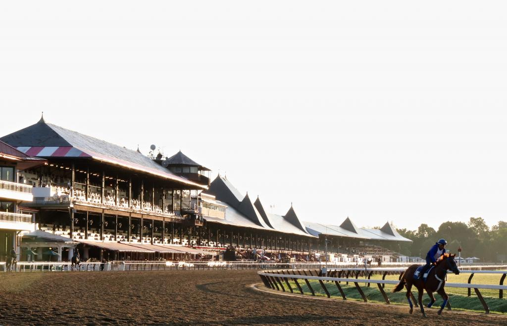 The Saratoga clubhouse glows in the morning light during training hours at the Spa. (Penelope P. Miller/America's Best Racing)
