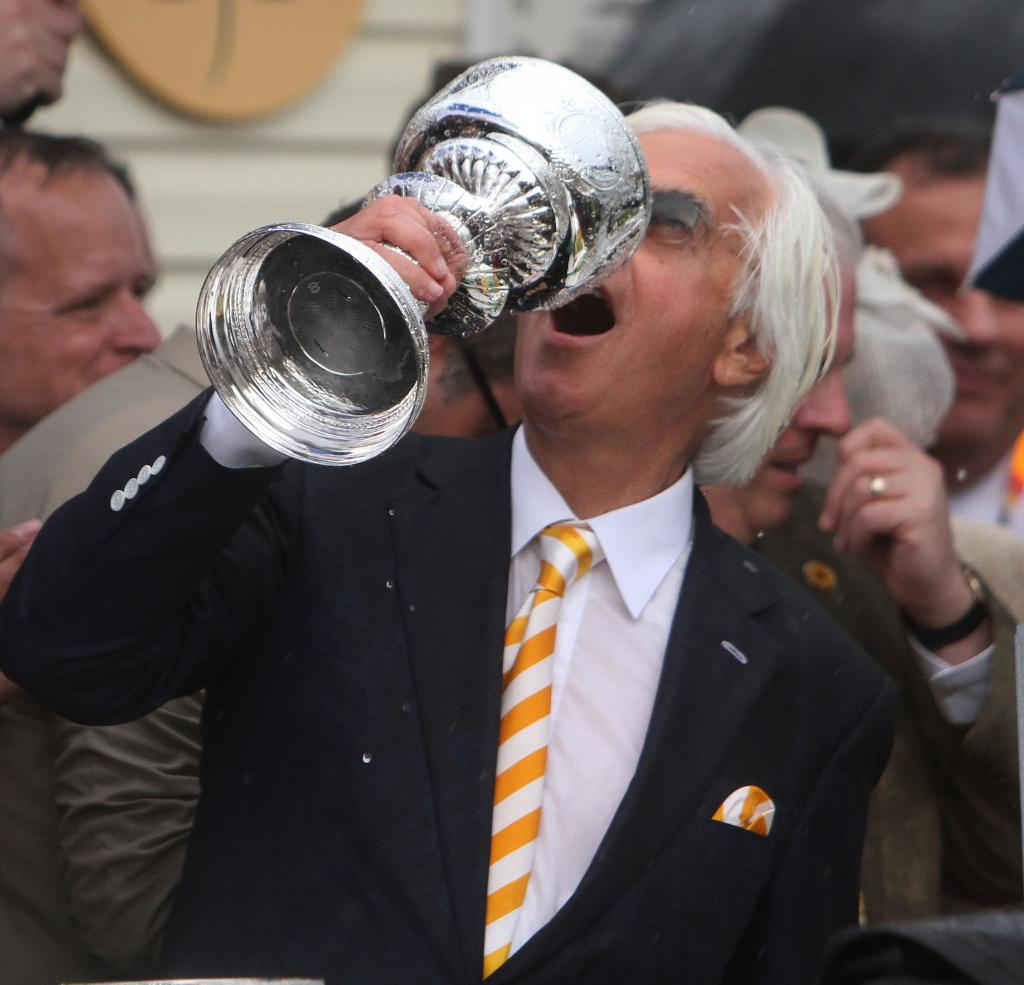 Baffert celebrating after the 2015 Preakness, which was won by American Pharoah. (Eclipse Sportswire)
