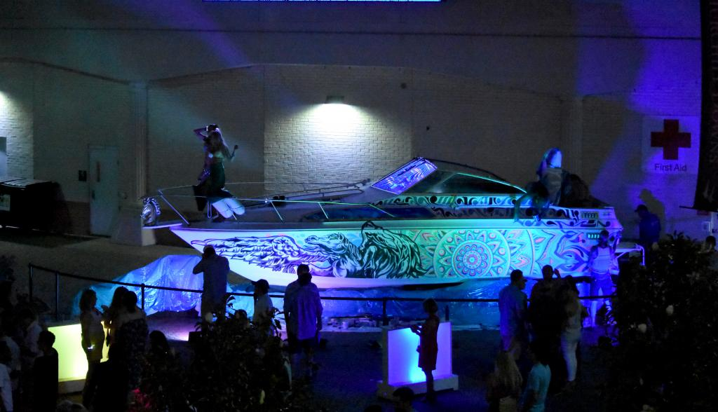 Bonus! The concert featured a boat that had mermaids and the Katy Perry sharks! (Melissa Bauer-Herzog/America's Best Racing)