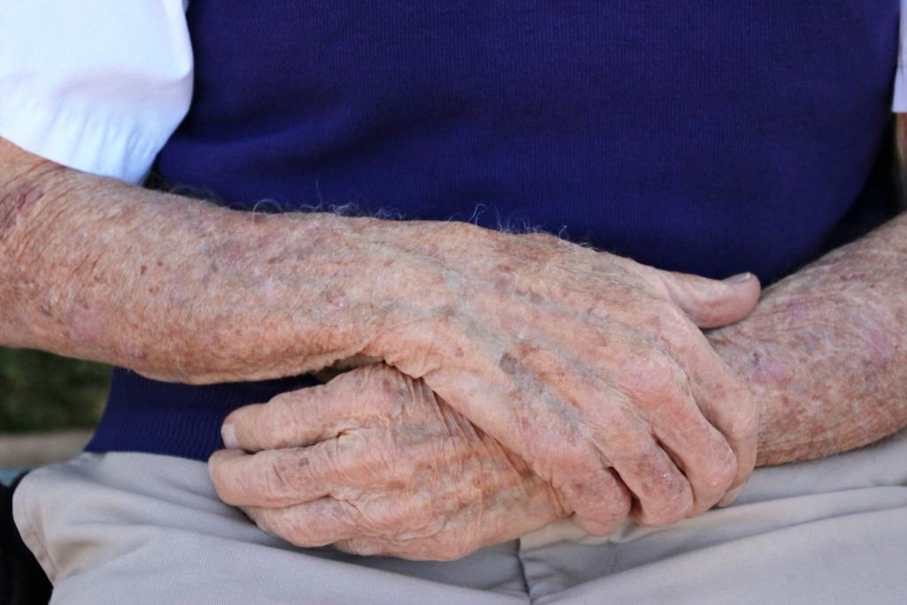 The hands of 96-year-old Santa Anita icon John Shear. (Julie June Stewart photo)