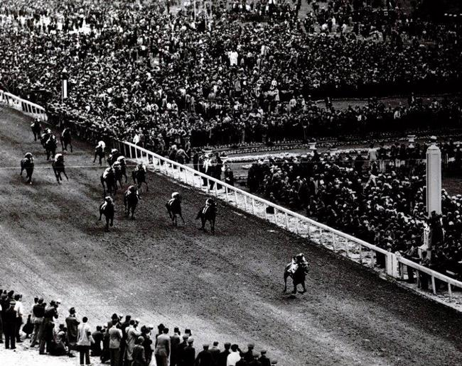 Assault wins the 1946 Kentucky Derby in spectacular fashion. (Keeneland Library)
