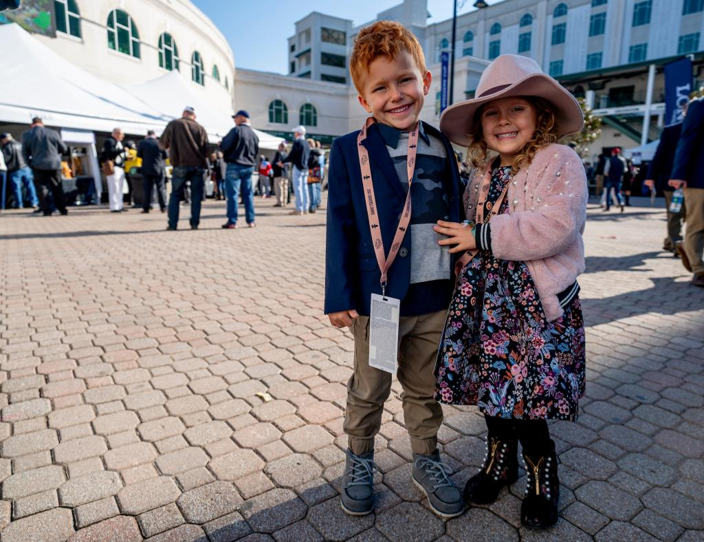 Fashionable fans of all ages were on hand for Breeders' Cup 2018. (Eclipse Sportswire)