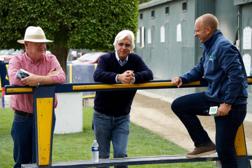 Baffert chats with Daily Racing Form's Steve Andersen (left) and TVG's Simon Bray. (Cynthia Holt photo)