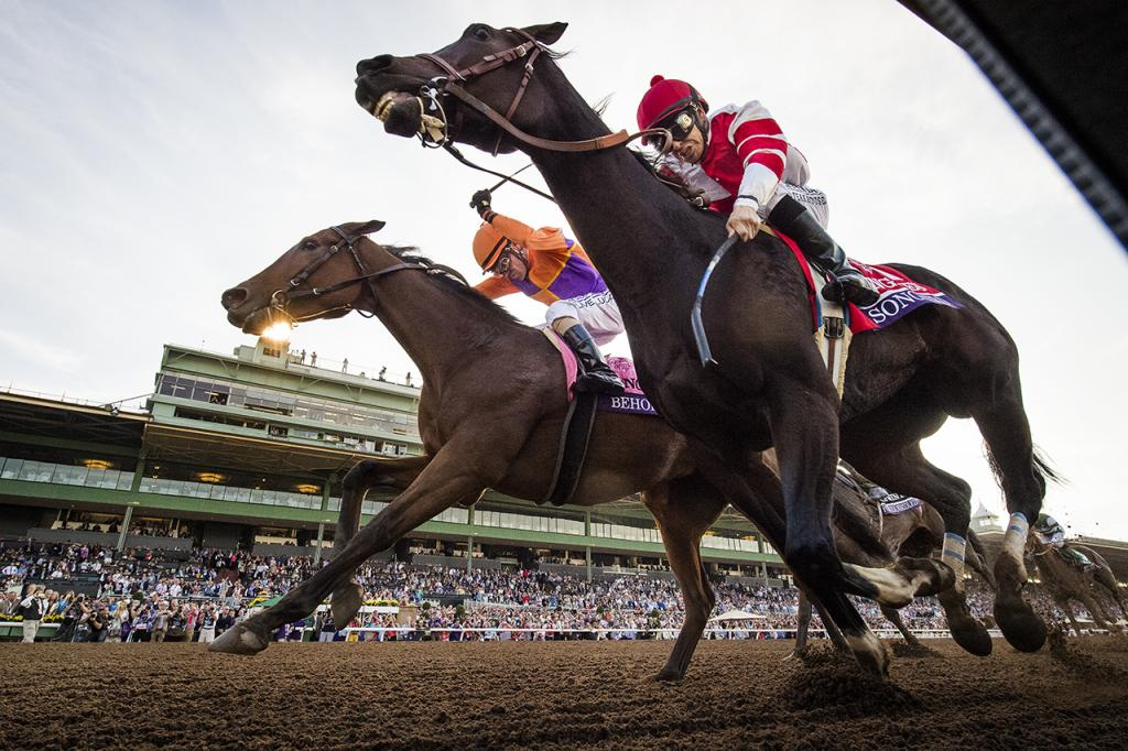 The thrilling stretch duel between Songbird, inside, and Beholder in the 2016 Longines Breeders' Cup Distaff. (Eclipse Sportswire)