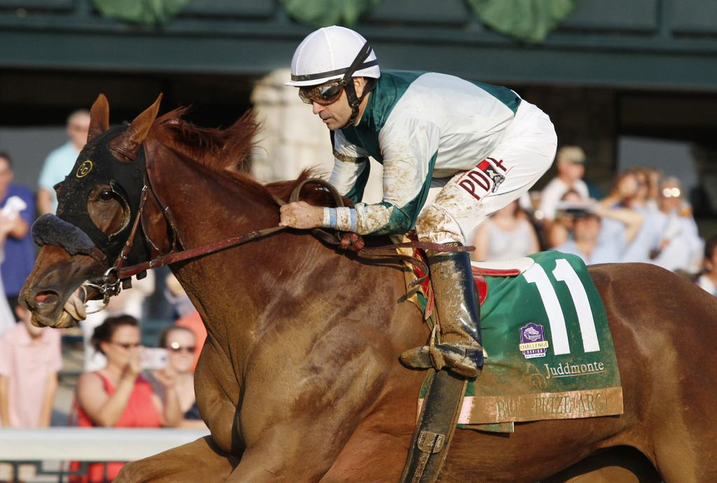 Blue Prize winning the Grade 1 Juddmonte Spinster Stakes at Keeneland. (Eclipse Sportswire)