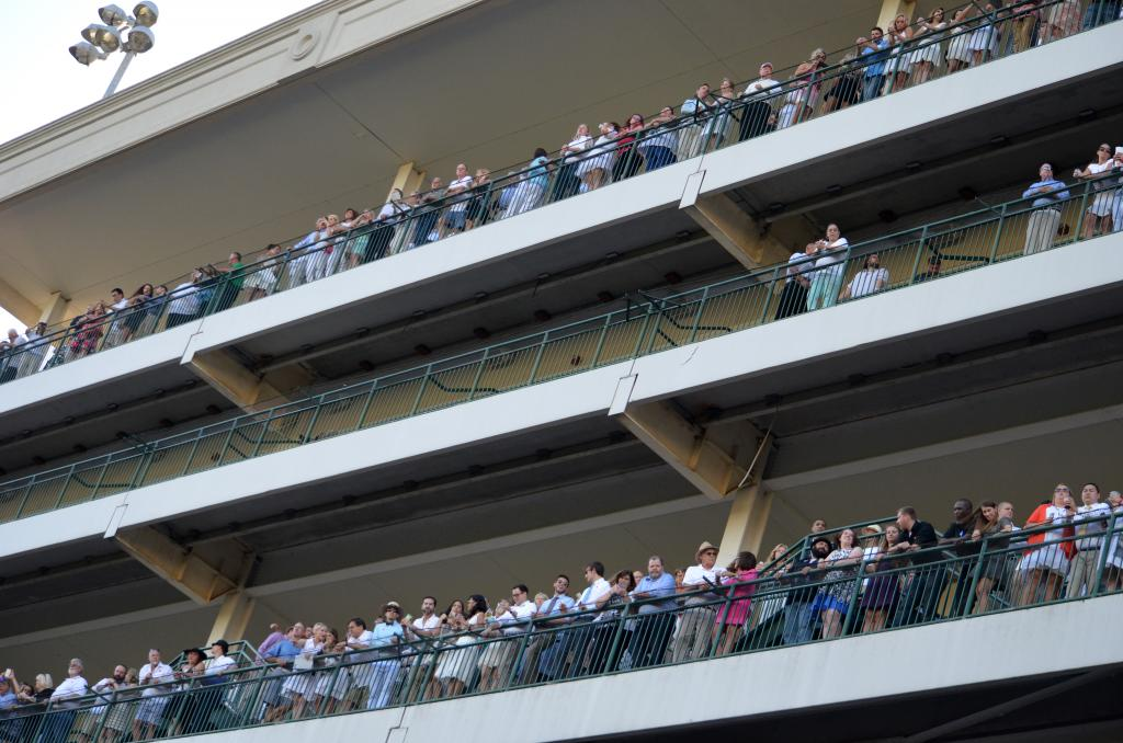 It was a nice night out and the track was packed, with a few of the upper floor decks full of fans. (Melissa Bauer-Herzog/America's Best Racing)