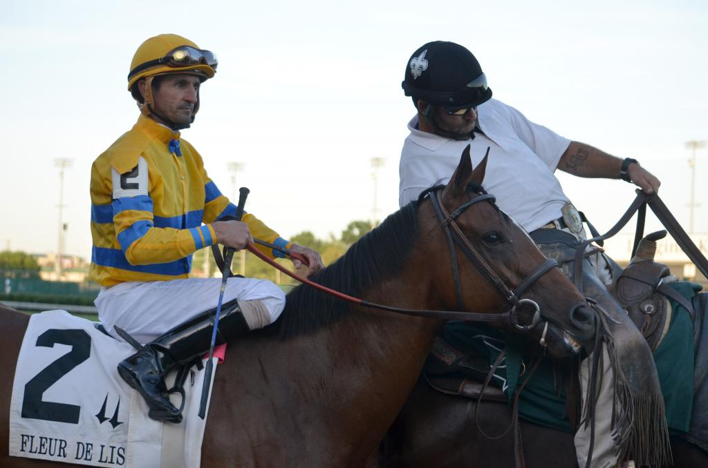 Before I could find out more about the signed cloths I had to turn my attention back to the races when the horses came onto the track. Engaginglee looked like she was enjoying the experience. (Melissa Bauer-Herzog/America's Best Racing)