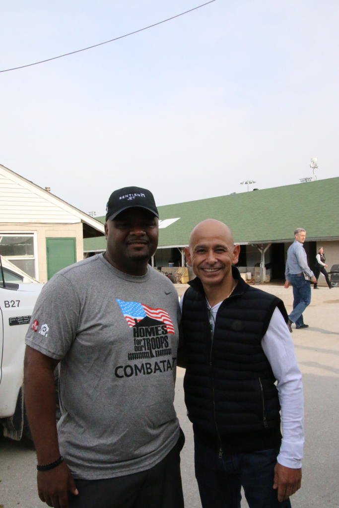 Chris Gordon with Hall of Fame jockey Mike Smith. (Julie June Stewart photo)