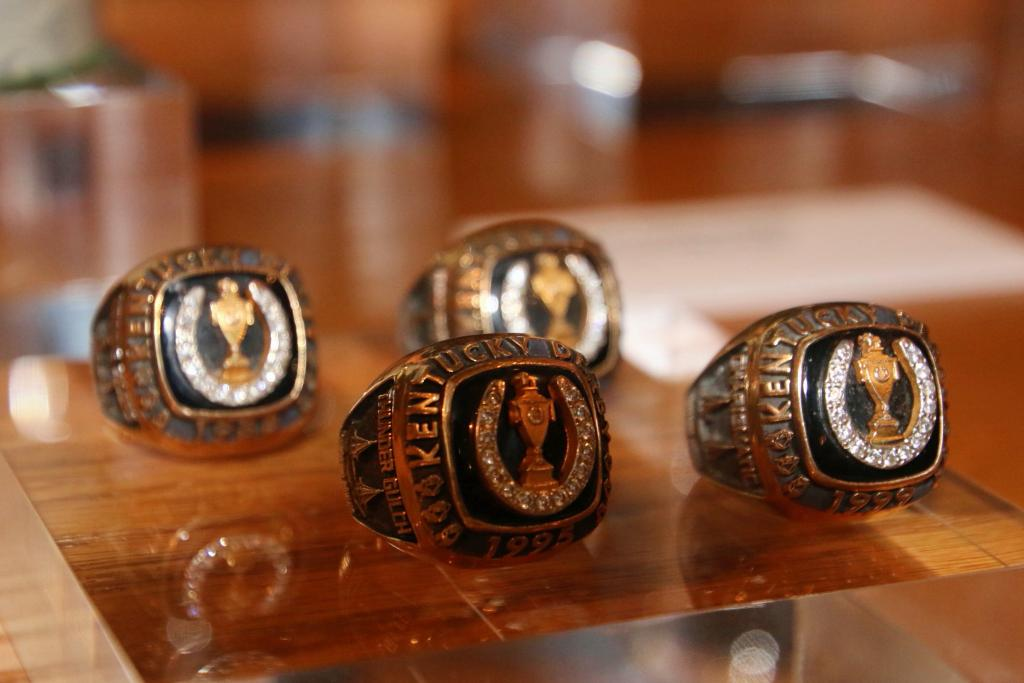 Lukas' Kentucky Derby rings. (Julie June Stewart photo)