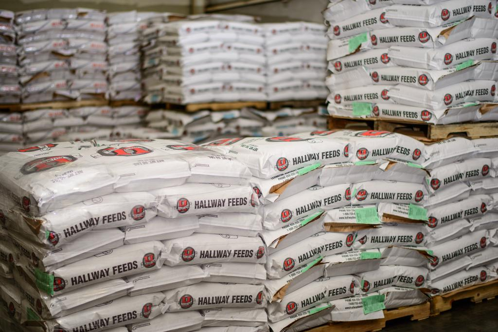 Visit Horse Country Hallway Feeds Nourishes Racing S