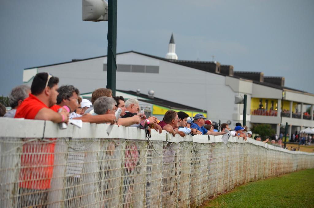 As the horses warmed up behind the gate, everyone gathered against the rail, trying to get the best spot possible to see if Da Big Hoss could win his second straight Kentucky Turf Cup. (Melissa Bauer-Herzog/America's Best Racing)