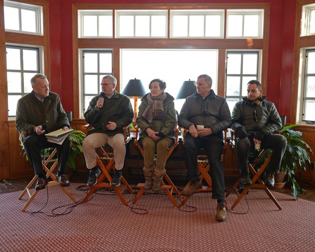 Lane's End panelists answer questions. Left to right: moderator John Henderson, Bill Farish, Marette Farrell, Doug Cauthen, David Ingordo. (Anne Eberhardt Keogh/BloodHorse)