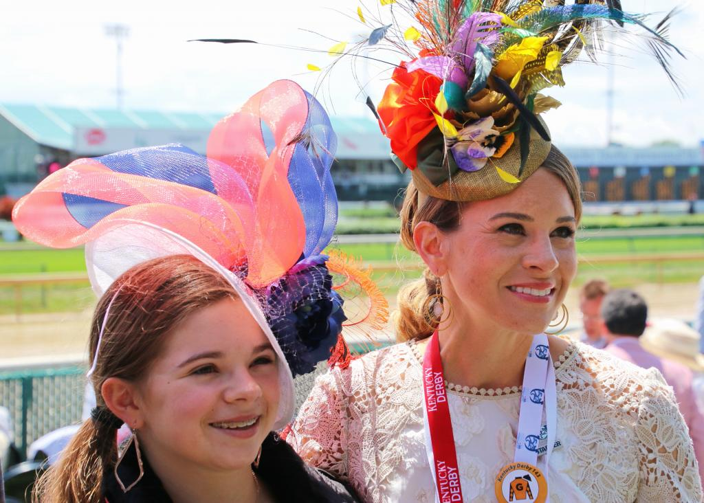 Mikala and her mom, Misty, at Churchill Downs. (Julie June Stewart photo)