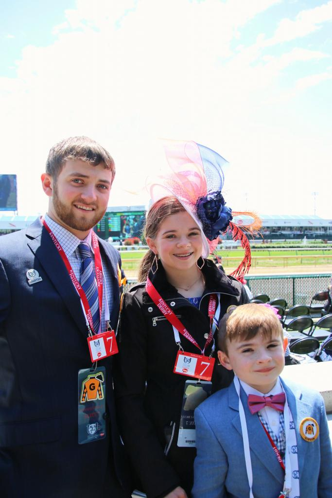 From Hogs To Horses Texas Teen Cheers On Family S Derby