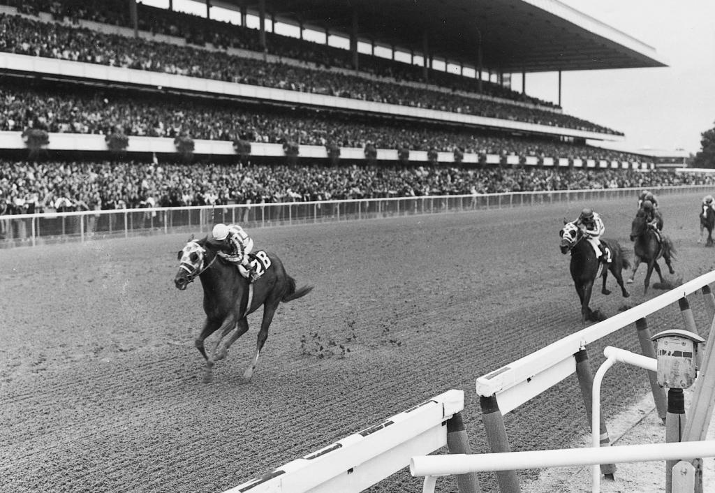 Secretariat wins the Marlboro Cup. (Coglianese Photo/Blood-Horse Library)