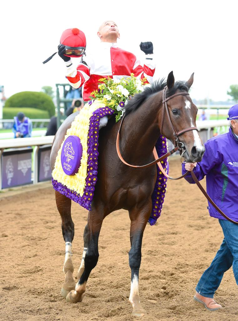 Mike Smith celebrates after their Breeders' Cup Juvenile Fillies win. (Eclipse Sportswire)