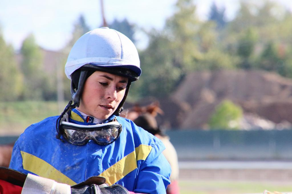 Thinking through the race she just lost. (Julie June Stewart photo)
