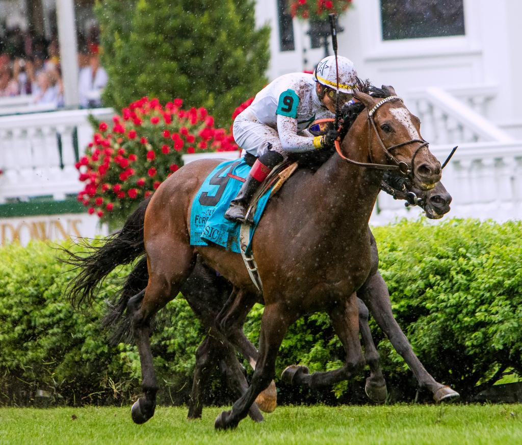 Yoshida winning the Grade 1 Old Forester Turf Classic Stakes in May. (Eclipse Sportswire)
