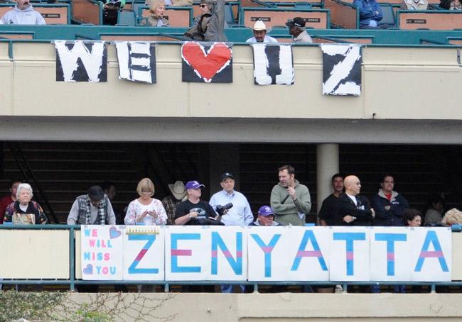 Zenyatta had a huge fan following around the country. (Eclipse Sportswire)