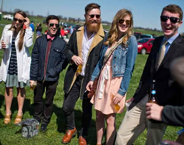 Slideshow Tailgating On The Hill At Keeneland America S