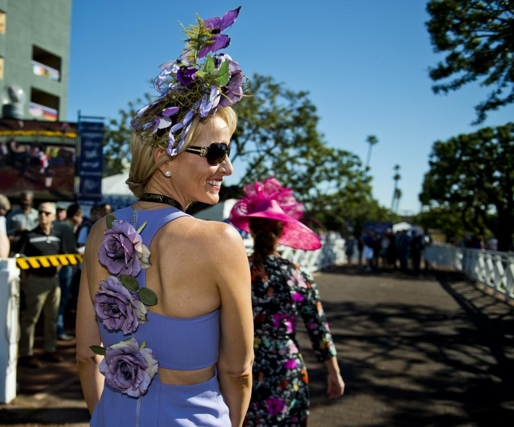 Slideshow Scenes From The Breeders Cup Two Days Of