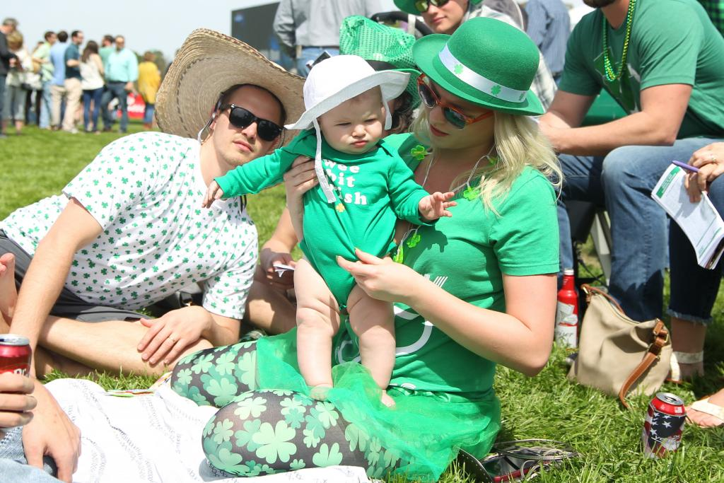 Fun for all ages at the Oaklawn Park infield. (Eclipse Sportswire)
