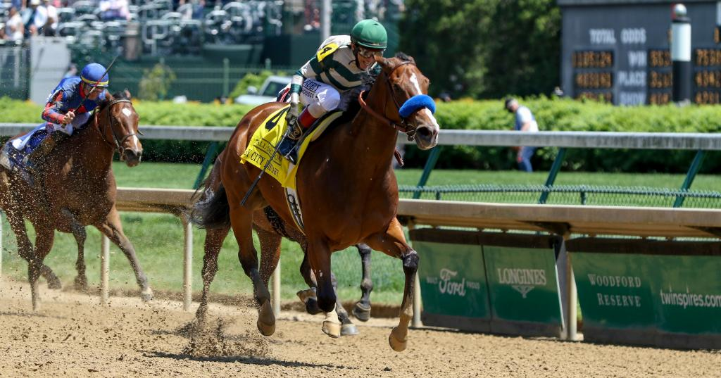 Gamine pulled away late in Derby City Distaff Stakes Presented by Kendall-Jackson Winery. (Eclipse Sportswire)