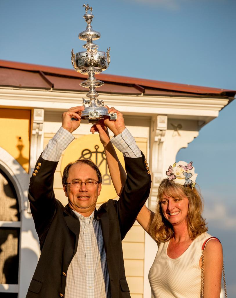 Winning owners John and Diane Fradkin (Eclipse Sportswire)