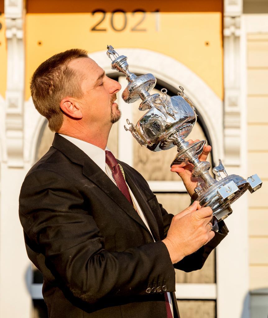 Winning trainer Michael McCarthy (Eclipse Sportswire)