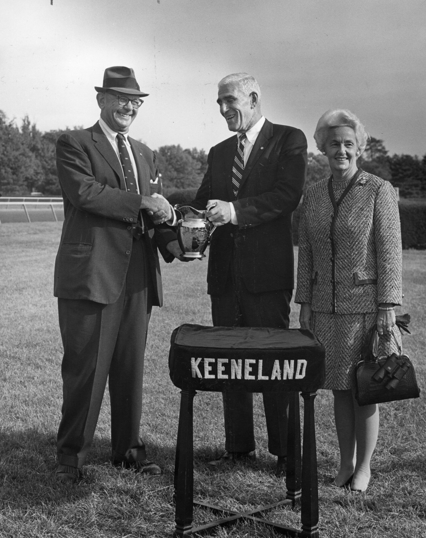 Bull Hancock (left) after Dike's 1968 Breeders' Futurity win.