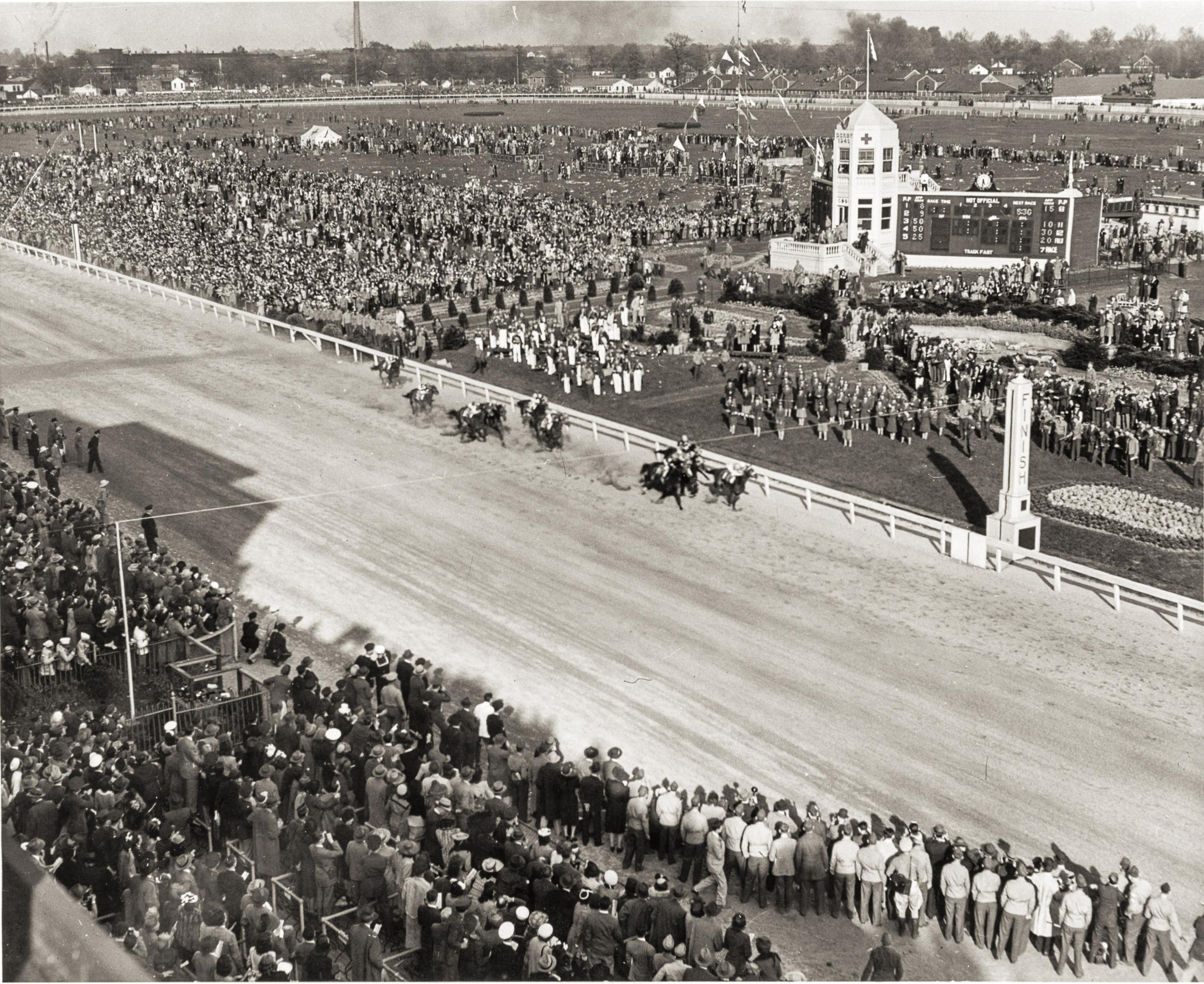 The scene as Count Fleet wins the 1943 Kentucky Derby.