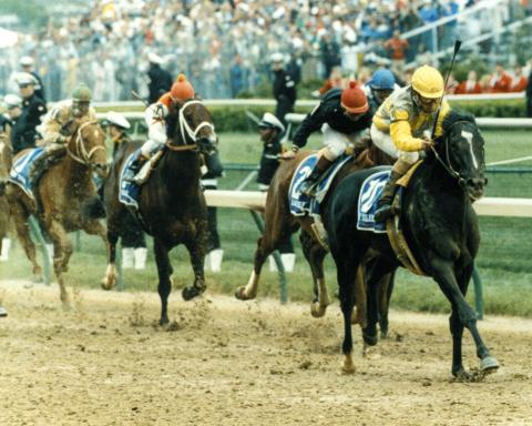 Sunday Silence wins the 1989 Kentucky Derby.