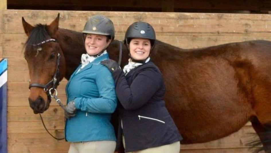 Daring Destiny, who will continue to aim for the Thoroughbred Makeover, with Sarah and Katie