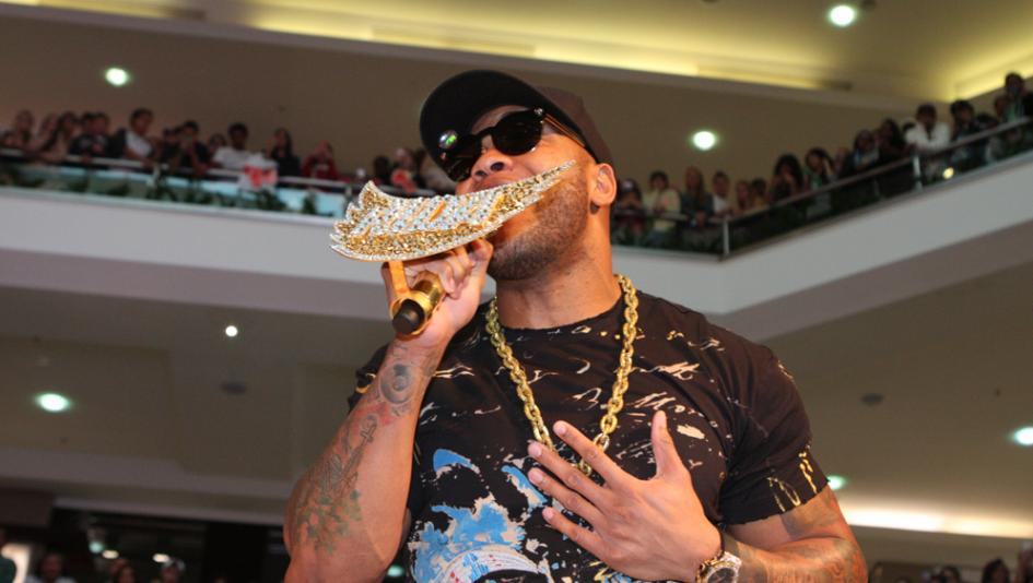 Hip-hop artist Flo Rida will headline the non-racing entertainment at the 2019 Belmont Stakes Racing Festival.
