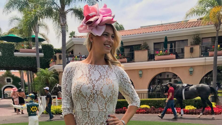 Meet The Fans San Diego Reporter Tabitha Lipkin America