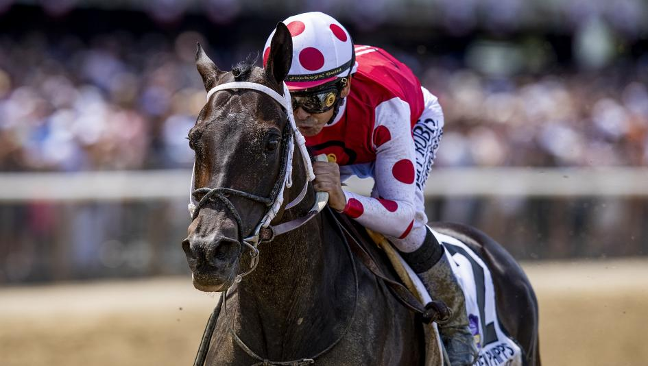 Midnight Bisou is expected to be the favorite for this year's Breeders' Cup Distaff.