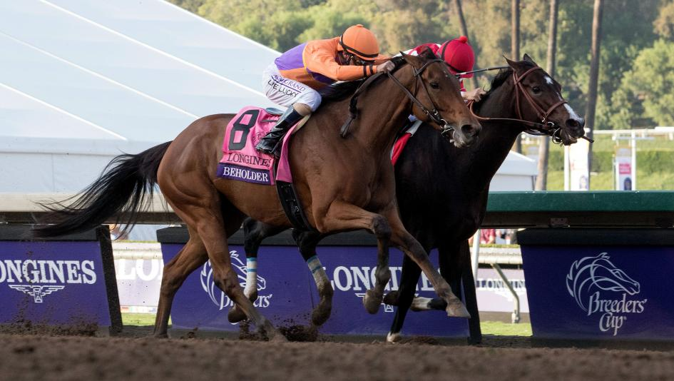 Beholder noses out Songbird in Breeders' Cup Distaff