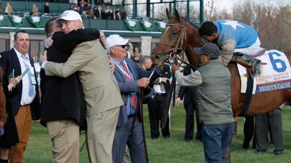 SLIDESHOW: Hugs and Horse Racing