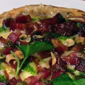 "<a href=""http://bobbyflay.com/recipes/recipes/21/pizza-with-bacon-caramelized-onions-and-toasted-garlic"">3. Pizza with Bacon, Caramelized Onions and Toasted Garlic </a>"